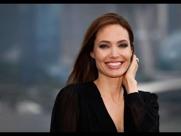 """Angelina Jolie, """"ancora un po' l'attrice, e poi faro' solo regia"""""""
