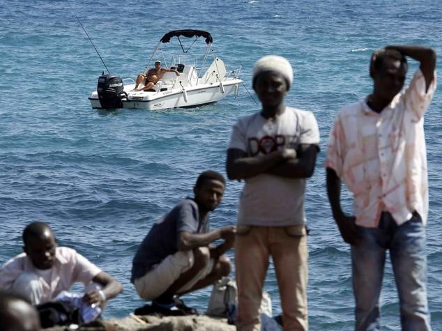 """Immigrati: tensione Italia-Francia Parigi """"dovete occuparvene voi"""""""