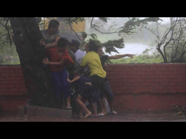 Il tifone Rammasun flagella capitale Filippine, almeno 11 morti - foto