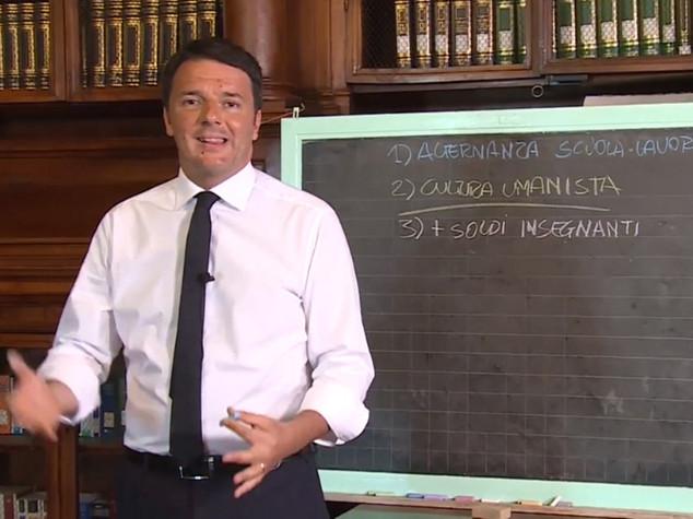 Scuola: Renzi, senza riforma solo assunzioni turn over
