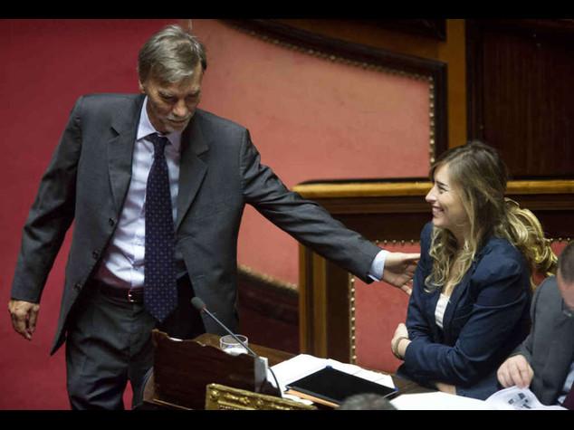 """Riforme, nuovo si' della Camera FI si spacca. M5s, """"fascisti!"""""""