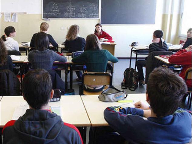 """Scuola al via con i ministri tra i banchi. Renzi a Palermo """"Torneremo in alto"""""""