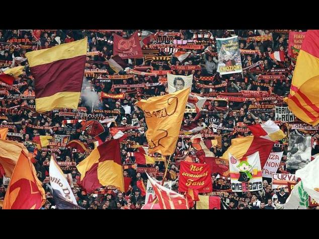 Napoli: accoltellato 36enne tifoso della Roma