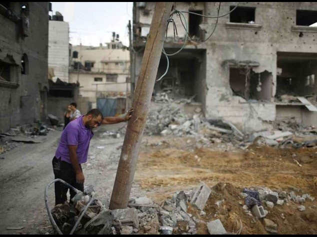 Thousands flee northern Gaza after Israeli warning
