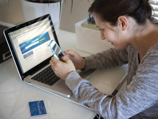 Jobs act: controlli a distanza su telefoni-pc senza ok sindacati