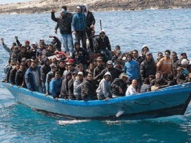 Libici sparano a un   barcone  Morto un immigrato, un ferito
