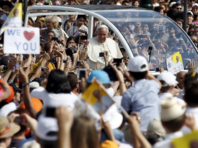 """Papa chiedeo perdono ai valdesi """"Per le violenze che avete subito"""""""