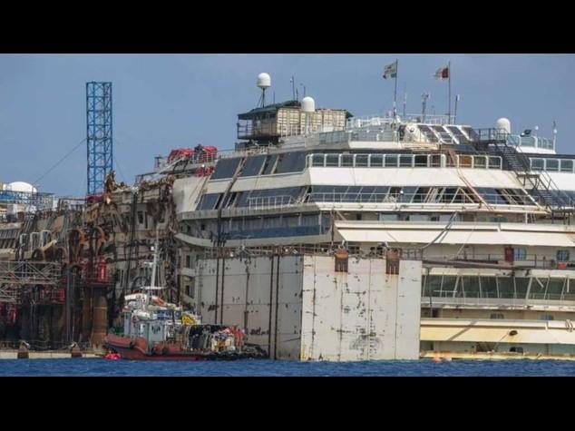 Concordia: un 'gigante' di 290 metri di lunghezza e 70 di altezza