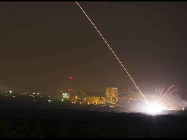 Gaza: ancora vittime nella notte, feriti anche tre soldati