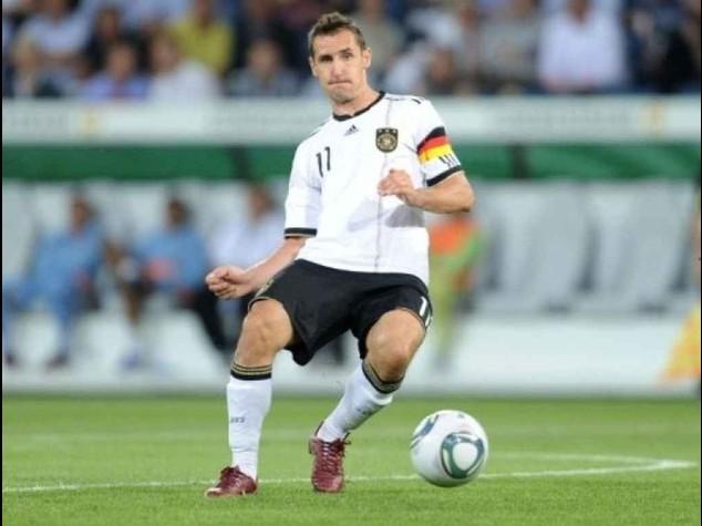 Via ai quarti con il derby europeo  In campo, Francia-Germania 0-1