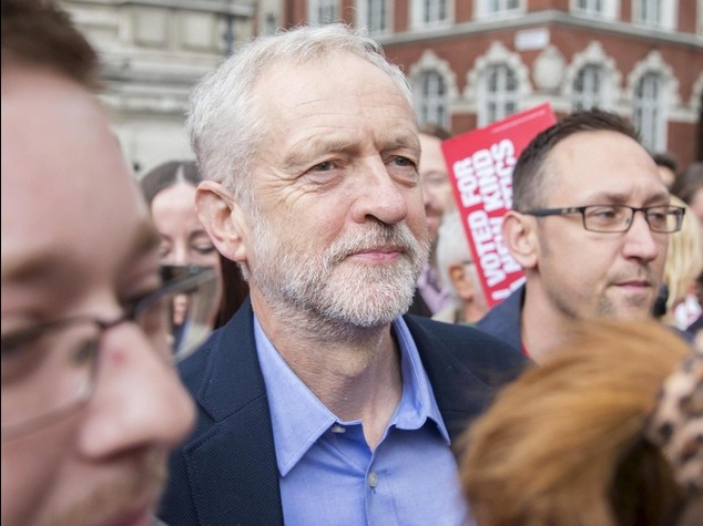 Gb: il Labour vira a sinistra Corbyn 'il rosso' nuovo leader