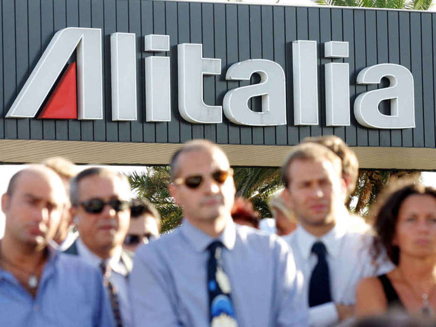 Alitalia: si' all'accordo per Cisl, Uil e Ugl. Attesa risposta Cgil