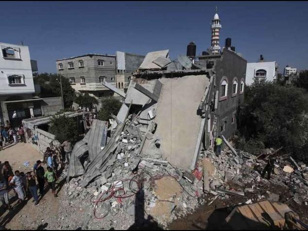 Israele ignora appelli e mantiene pressione su Gaza