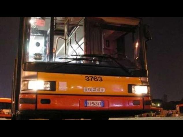 Travolto e ucciso da bus alla fermata di Piazza Venezia