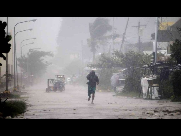Filippine, 27 morti per il tifone Hagupit