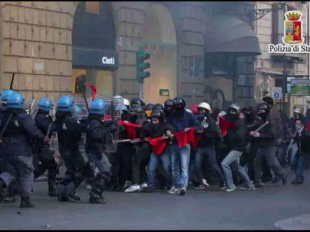 Centri sociali: disordini e feriti a Palermo, 17 misure cautelari - Video