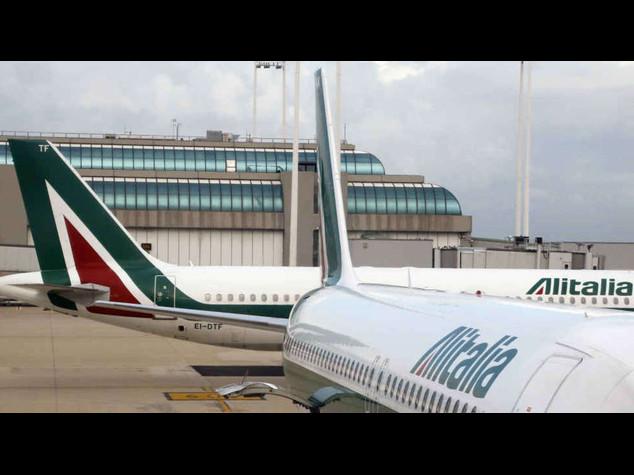 Alitalia: in serata la firma dell'accordo con i sindacati