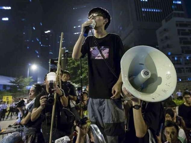 Hong Kong: segnali dialogo, ma Leung non si dimette