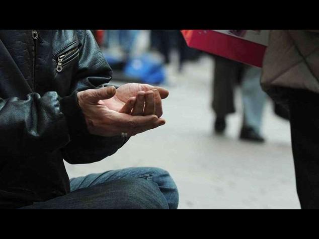 Istat: piu' poveri nel Mezzogiorno, 725 mila in piu'