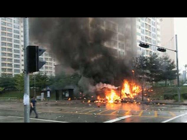 Sud Corea: cade elicottero impegnato nel recupero del Sewol, 5 morti - Video