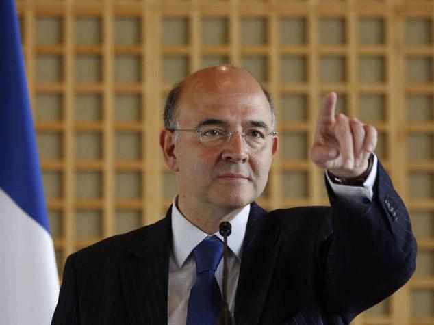 """Ue, Moscovici gela la Francia """"Procedura se viola le regole"""""""