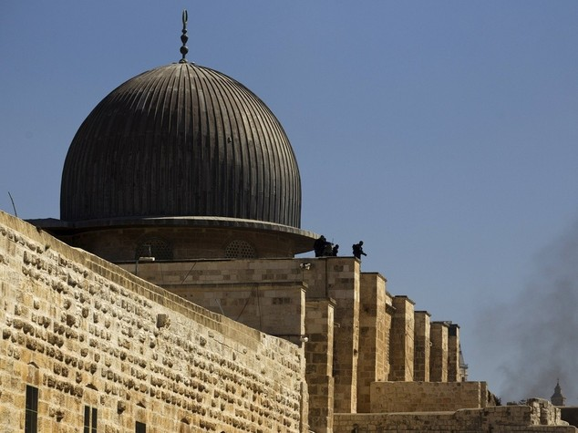 """Israele avverte, """"nuovo muro in Cisgiordania"""". Citta' vecchia vietata ai palestinesi"""