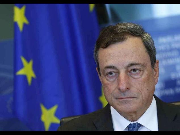 Debutta il 'bazooka' di Draghi Sulle borse il peso della Grecia
