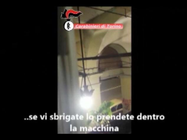 """""""Se vi sbrigate lo prendete"""", l'arresto in diretta di un ladro a Torino"""