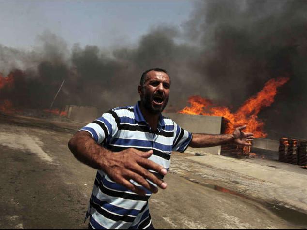 Israele, primo attacco di terra. Migliaia in fuga da Gaza