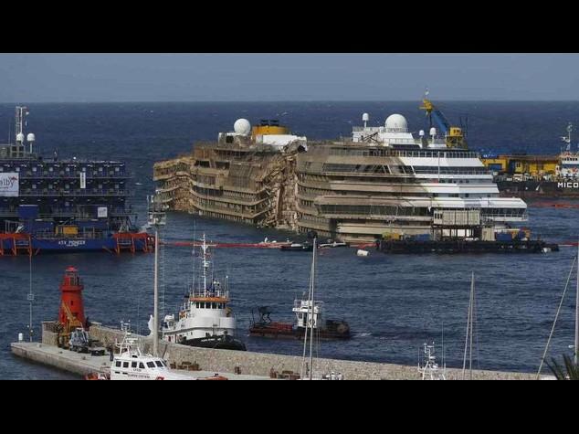 La Concordia andra' a Genova, polemiche