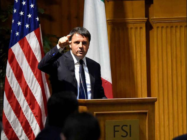 Renzi: riforma lavoro non rinviabile. Grillo a minoranza Pd: mandiamolo a casa