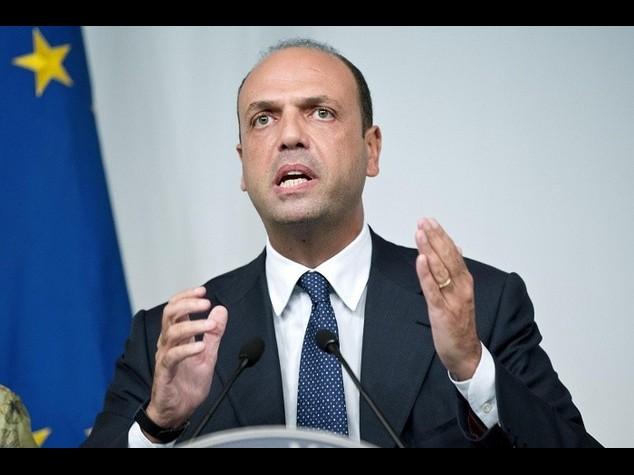 """Amministrative, Alfano """"al voto il 5 giugno"""""""