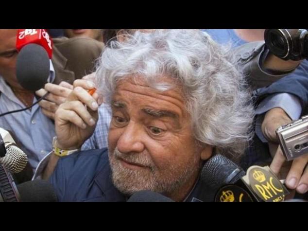Grillo apre al Pd su Rai e reddito cittadinanza, poi pero' torna all'attacco
