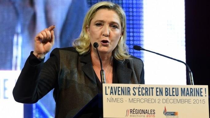 Marine Le Pen, ora referendum in Francia