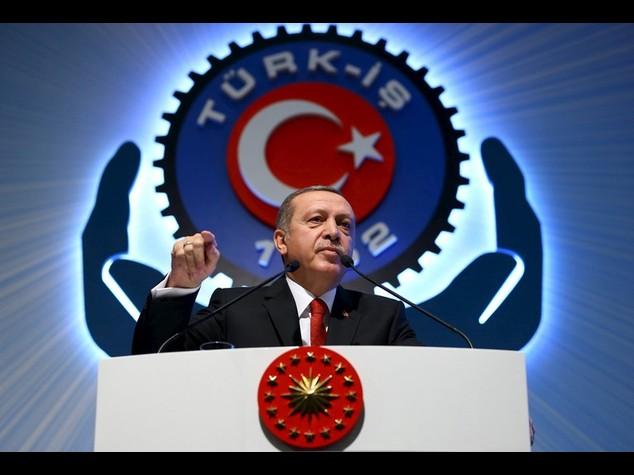 """M.O.: Erdogan, Turchia agira' per espandere """"circolo della pace"""""""