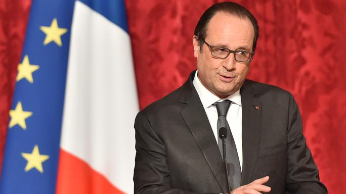 Hollande, aggressori hanno rivendicato di essere dell'Isis
