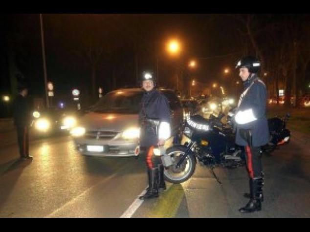 Dramma a Torino, auto contro semaforo. Muoiono tre ventenni