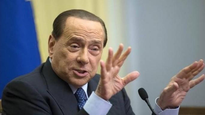 Berlusconi al ballottaggio a Roma voterà scheda bianca