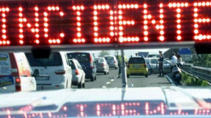 Incidenti stradali in aumento, mai così tante vittime da 15 anni