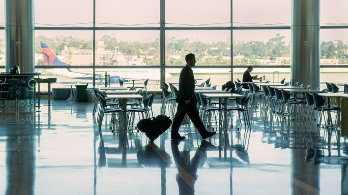 Viaggiare gratis, o quasi, ecco le 5 regole