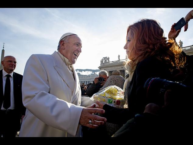 Tre torte al limone per i 79 anni del Papa