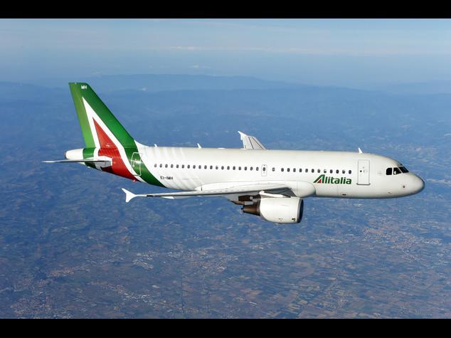"""Alitalia, miglia non scadono """"posti gratis su nuove destinazioni"""""""
