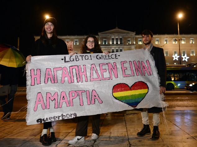 Grecia, si' a unioni civili tra gay