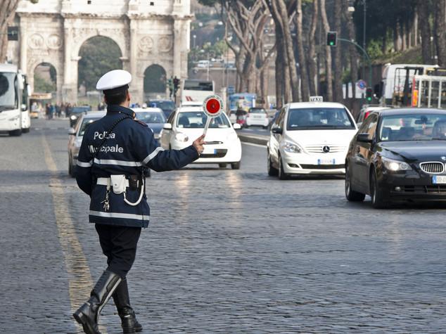 Smog Roma: targhe alterne lunedì 28 e martedì 29