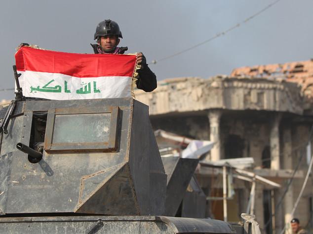 Iraq: nuovo attacco Isis a Ramadi, coprifuoco in città