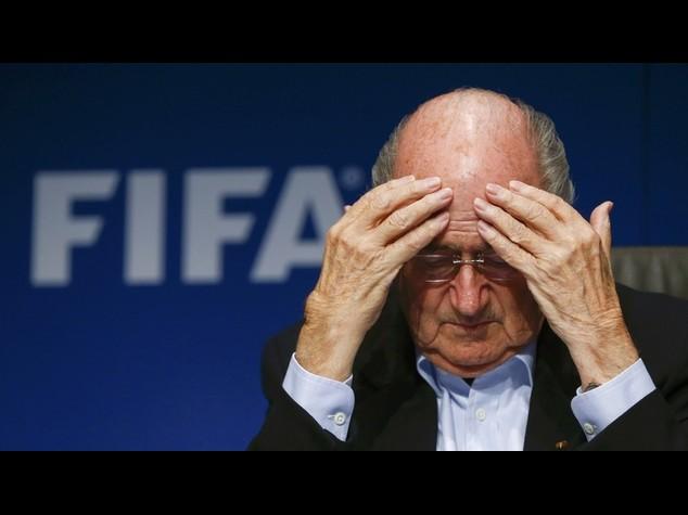 """Tangenti Fifa: Blatter resiste Platini attacca, """"Lo cacceremo"""""""