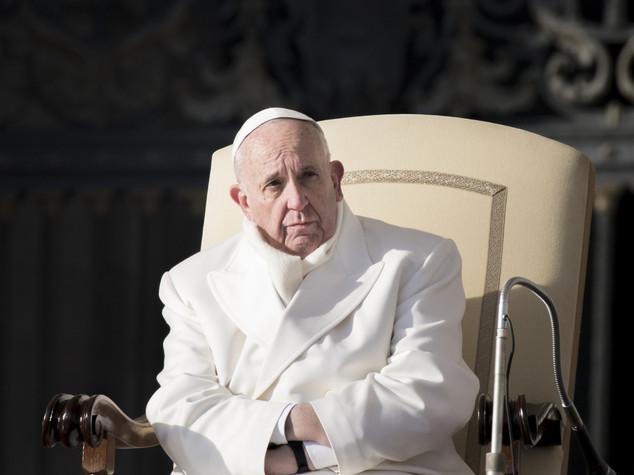 """Il Papa, """"non servono padrini, nulla puo' escludere dal cuore Dio"""""""