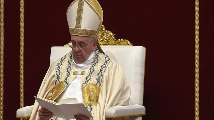 Papa, a Roma scarso senso di dedizione al bene comune