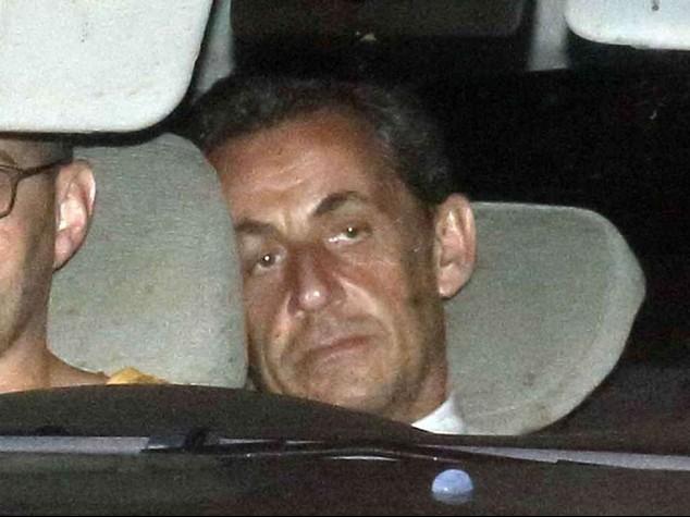 Sarkozy incriminato stasera in tv, a rischio suo futuro politico