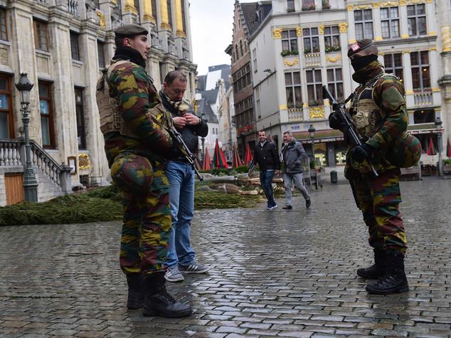"""""""Mi hanno abbandonato"""". Il video shock della vittima dell'attentato di Bruxelles"""